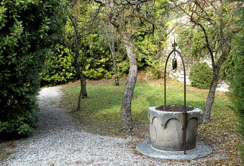Images from www.arquapetrarca.com